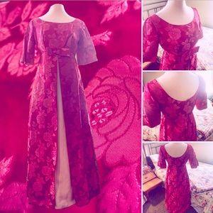 👛🎀True-Vintage 1960s Silk Brocade Gown🎀👛
